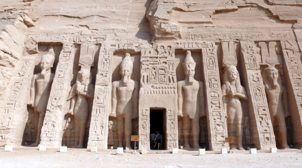 Abu_Simbel_Small_temple