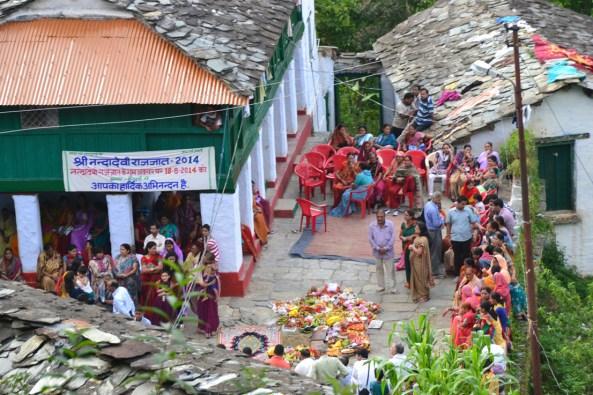 Villagers waiting at Heluri village near Ira Badhnai