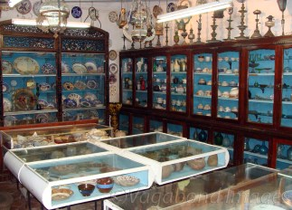 Museum has a collection of some very rare antiques, this section including gems, crockeries and personal items