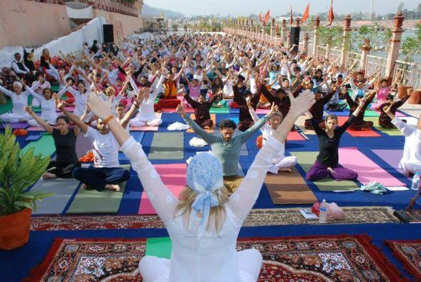 International_Yoga