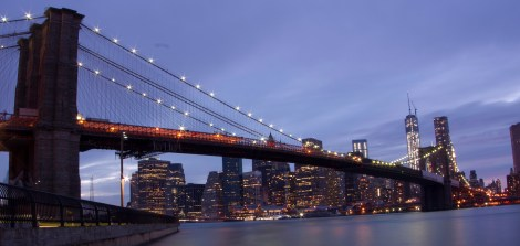 New York - Brooklyn Bridge - Dumbo Park - Night.
