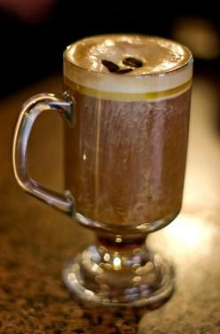 Café irlandés en The Crown Liquoor Saloon, Belfast