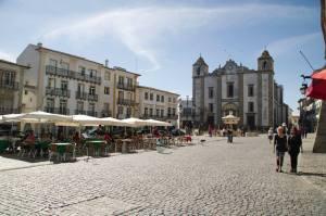 Plaza Giraldo en Évora