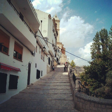 Escaleras transitables en coche en Alcalá del Júcar