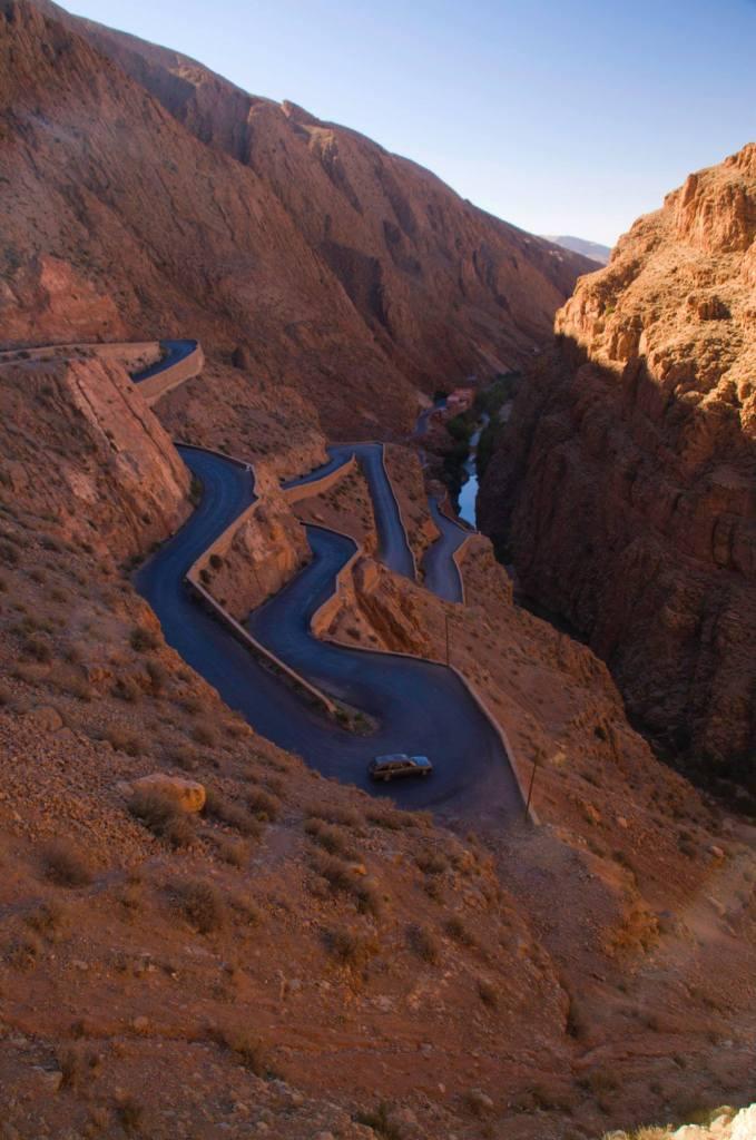 Carretera en el Valle del Dades, Marruecos