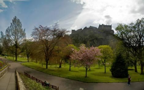 Vistas del Castillo de Edimburgo desde los Jardines de Princes Street