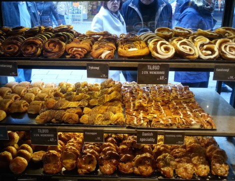 Dulces daneses irresistibles en Lagkagehuset, ¡abstenerse si no te gusta la canela!