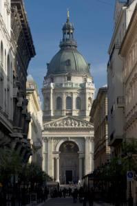 Fachada principal de la basílica de San Esteban