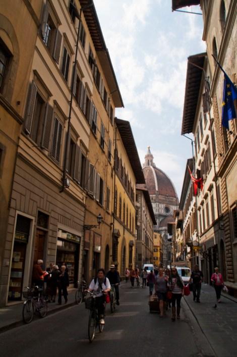 Paseando por las calles del centro histórico de Florencia