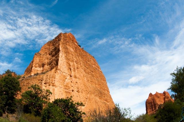 Los picudos farallones escondían el oro que extraían los romanos