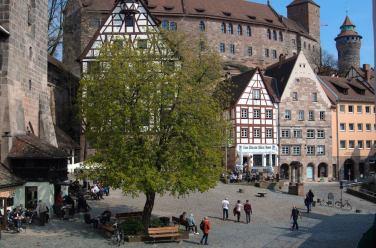 Plaza Tiergärtnertor vista desde la casa museo de Alberto Durero en Nurenberg