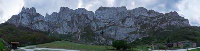 Panorámica de los Picos de Europa desde Fuente Dé. Es la altura que salva el teleférico