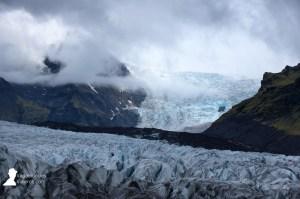 Lenguas de glaciar de la gran extensión de hielo del Vatnajökull en Islandia