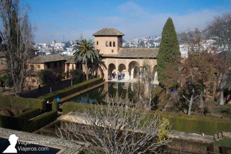 Jardines del Partal y Torre de las Damas, cercanos a los Palacios Nazaríes de la Alhambra