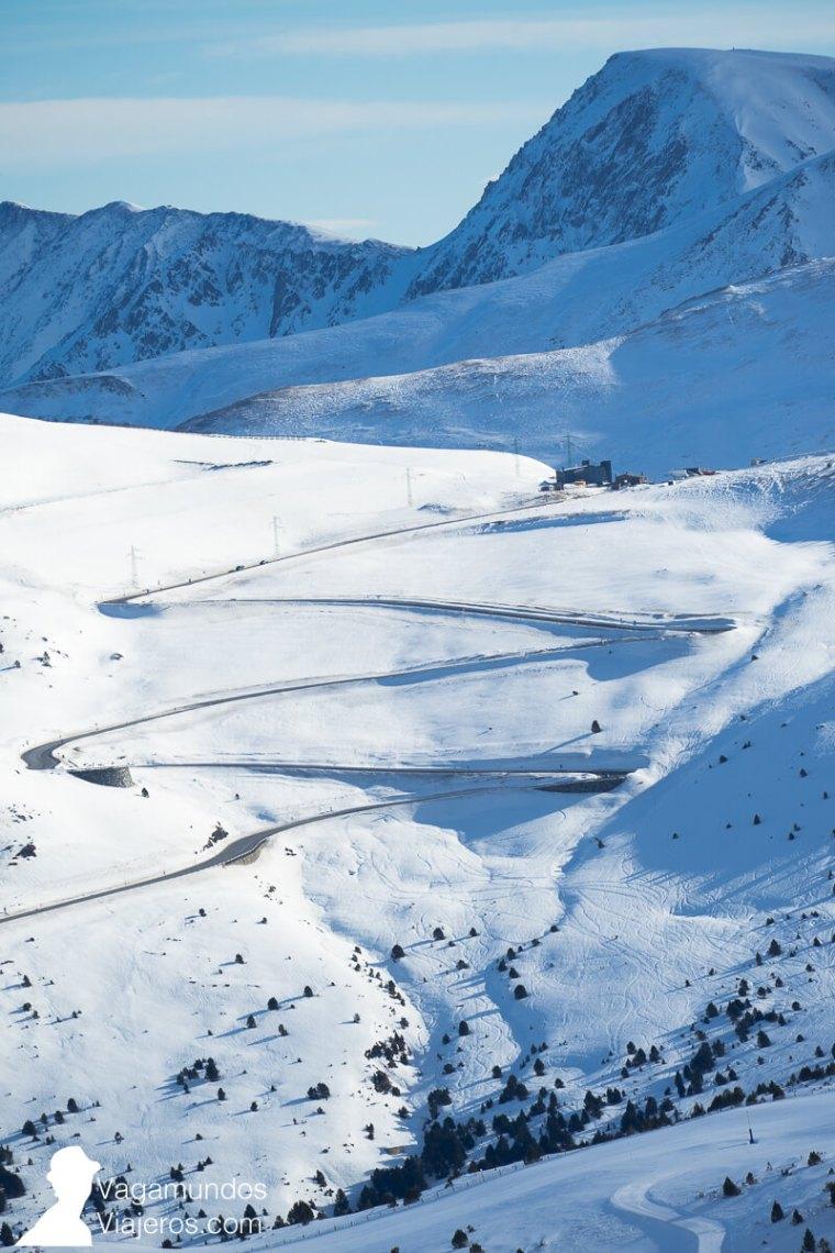 andorra_carretera-zigzag-nieve-invierno-winter-andorra-vagamundos-viajeros