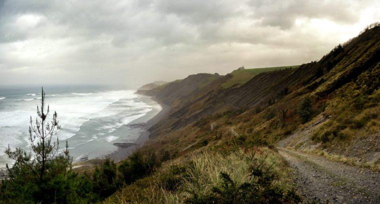 Vistas de la costa de flysch desde el mirador Elorriaga