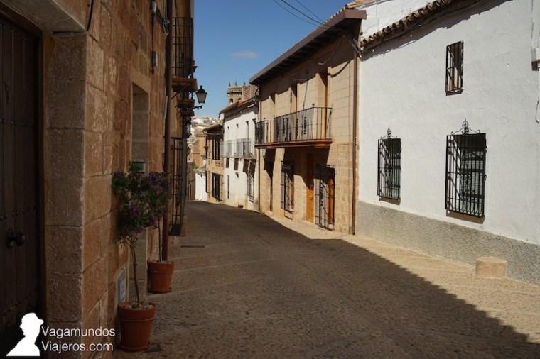 Calles y casas del centro histórico de Baños de la Encina, Jaén