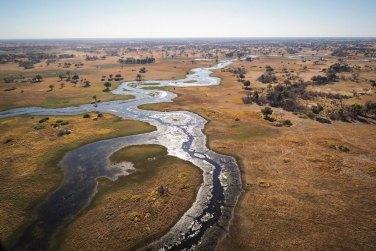 El delta del Okavango en Botswana, visto desde el sobrevuelo en avioneta