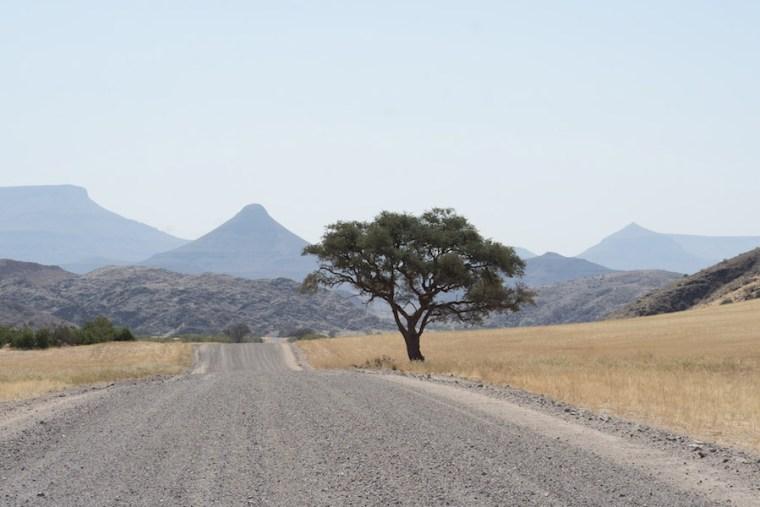 Típica carretera sin asfaltar de Namibia