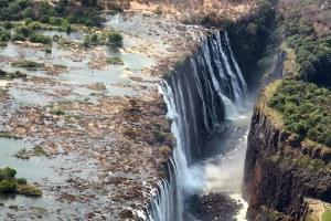 Las cataratas Victoria en Zimbabue, desde Victoria Falls