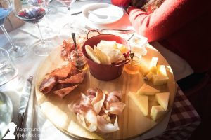 Cata de vinos, quesos y embutidos italianos en Cotte San Mattia, Verona