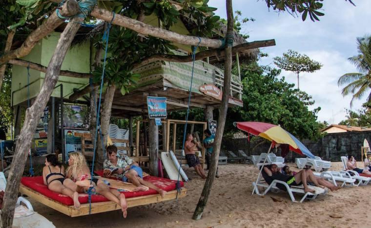 Chiringuitos en la playa de Mirissa, Sri Lanka