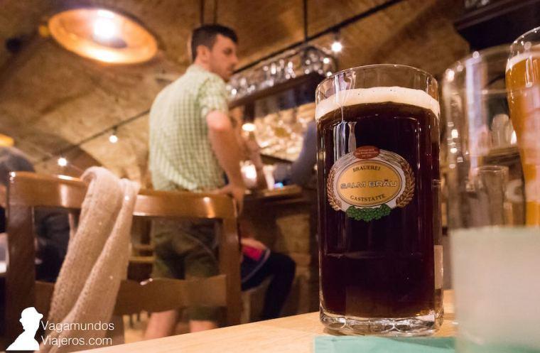 Cerveza de fabricación propia en la cervecería Salm Brau, Viena