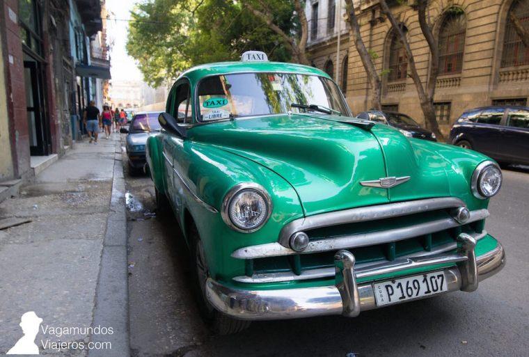 Un taxi aparcado en La Habana, Cuba
