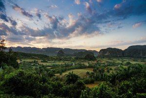 Vistas del Valle de Viñales desde la terraza del Hotel Los Jazmines