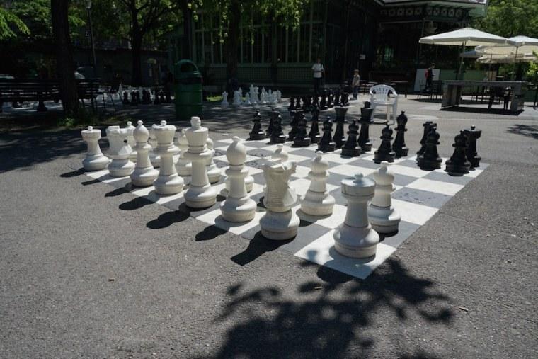 Juegos de ajedrez en el Parque de los Bastiones, Ginebra
