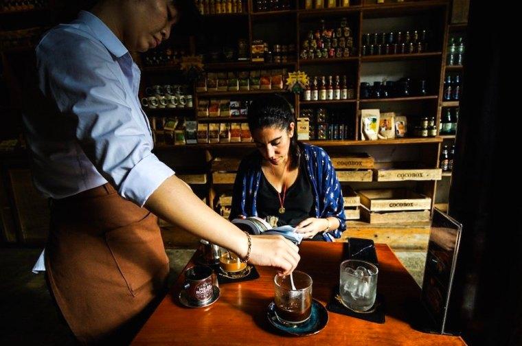 Café vietnamita en la cafetería Cocobox de Hoi An