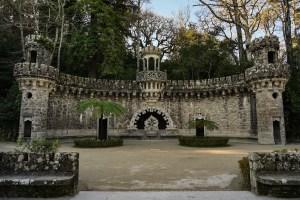 Portal de los Guardianes en la Quinta da Regaleira, Sintra