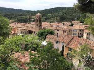 Edificios en Moustiers-Sainte-Marie, Provenza