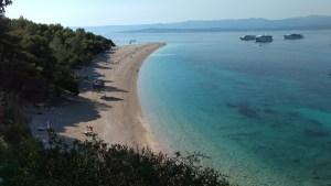 La famosa playa Zlatni Rat en Croacia