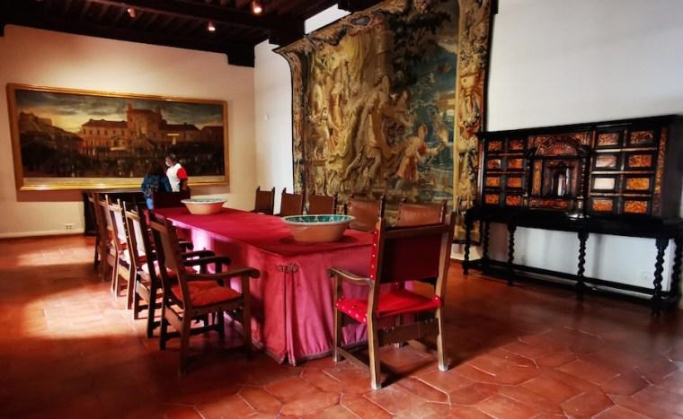 Uno de los tapices expuestos en el castillo de Manzanares El Real, Madrid