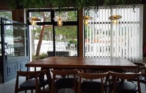 Salón de desayunos en Ohai Nazaré