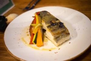 Plato de bacalao en el restaurante de Dasos de Ohai Nazaré