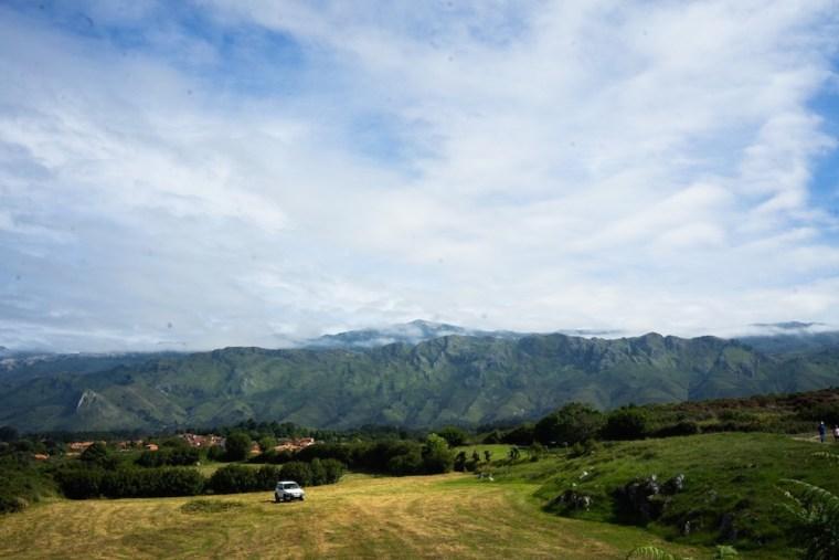 Vistas de la sierra de la Culebra realizando la senda costera de Celorio a Llanes