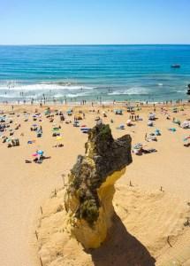 Playa de Albufeira en el Algarve