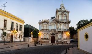 Antiguo Palacio en el centro histórico de Faro
