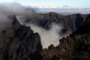 Vista del pico Teide al fondo, desde el mirador de Roque de los Muchachos