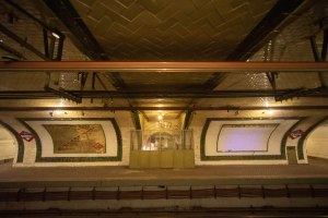 Andén de la estación de Chamberí de Metro Madrid