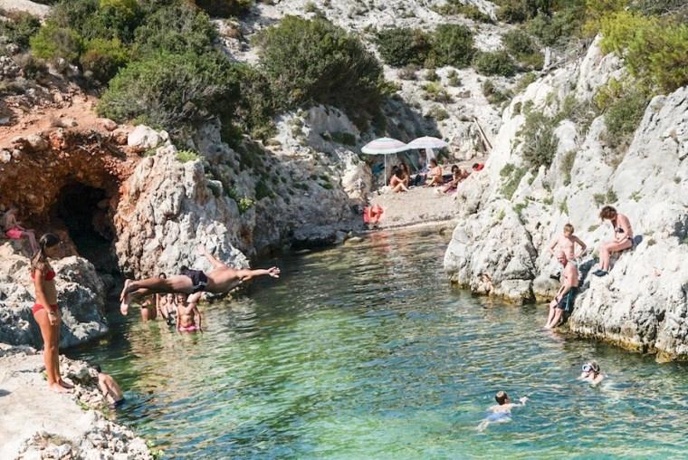 Playa Puerto Limnionas en la isla Zakynthos