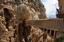 Y por supuesto, hay que cruzar el puente colgante para finalizar el Caminito del Rey