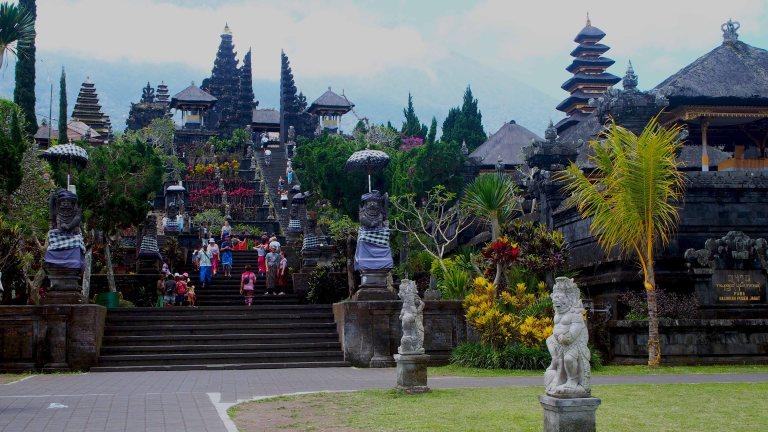 Viajar a Indonesia por tu cuenta. Que ver e info útil