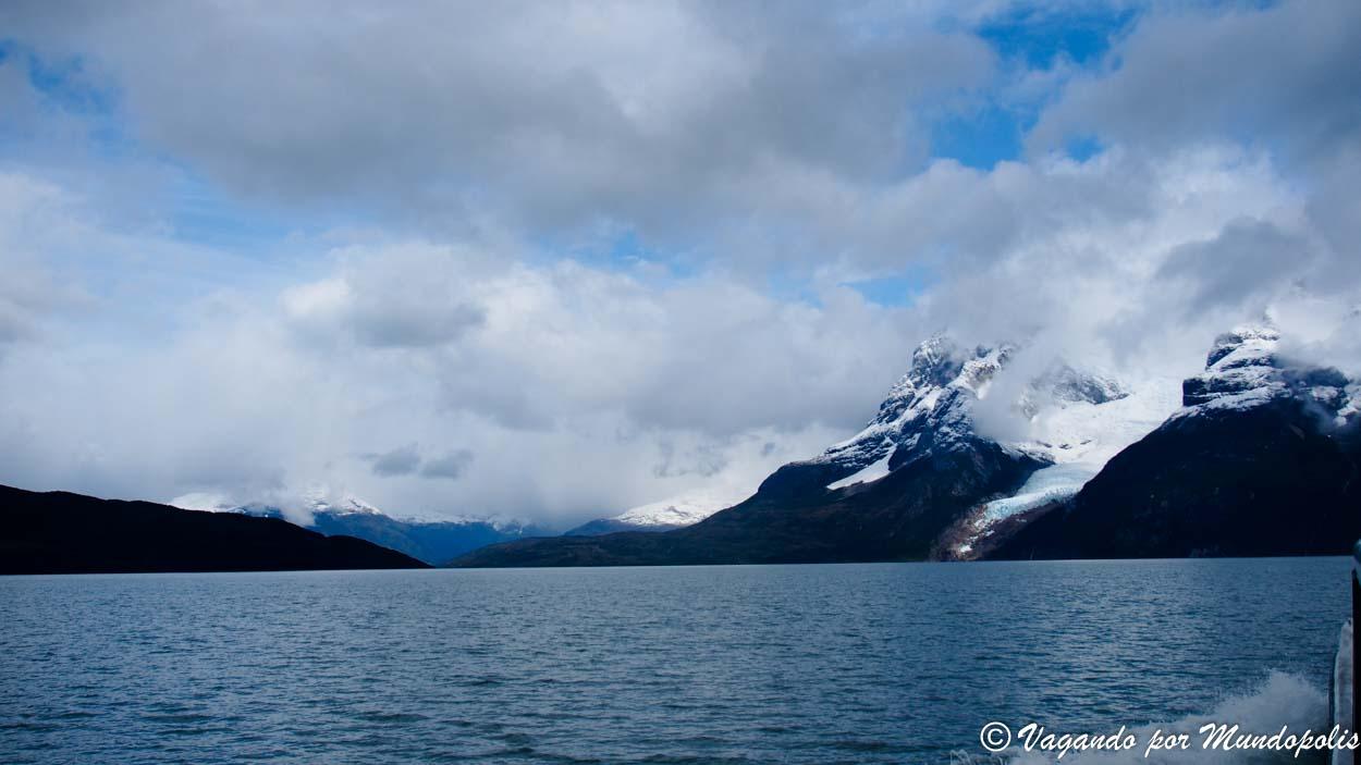 navegacion-glaciares-balmaceda-serrano