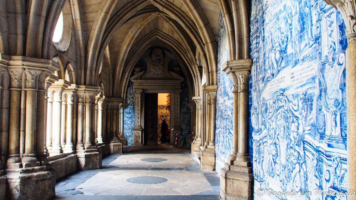 claustro-catedral-oporto