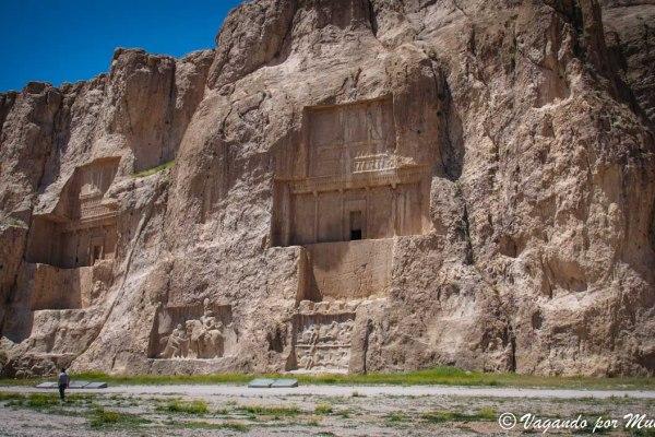 Naqsh-e Rostam la Necrópolis de los Reyes Aqueménidas