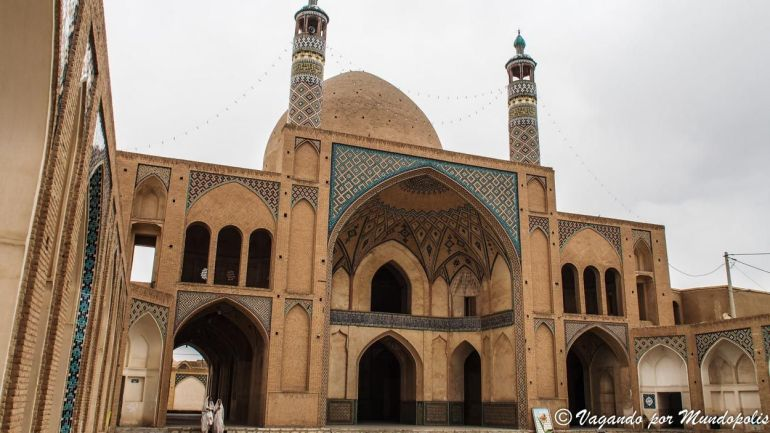 mezquita-Agha-Bozorg