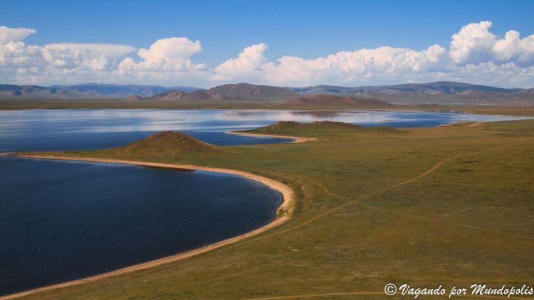 Que ver en Mongolia: El Volcán Khorgo y El Gran Lago Blanco